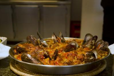 Restaurant buffet paella Hotel Parc Roses (Costa Brava)
